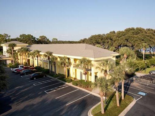 Beachview Club Hotel