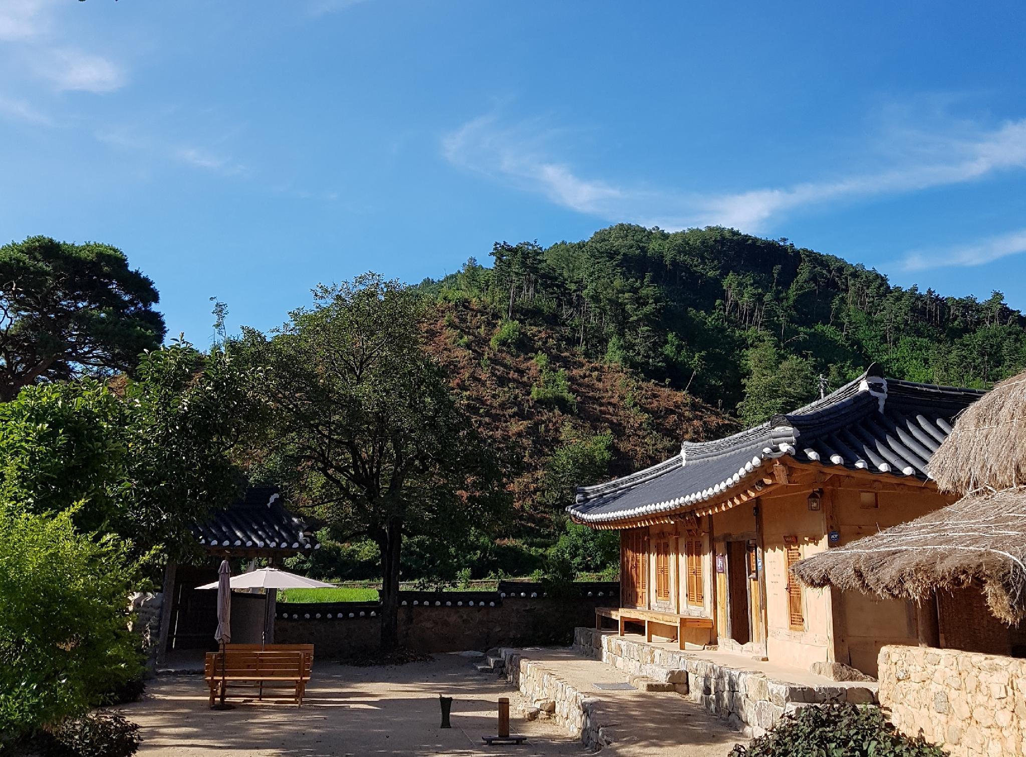 Jukheon Traditional House