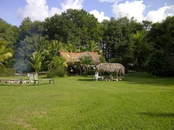 Hotel Cabanas Safari