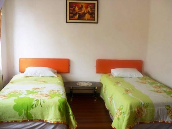 Hotel Ginas 4