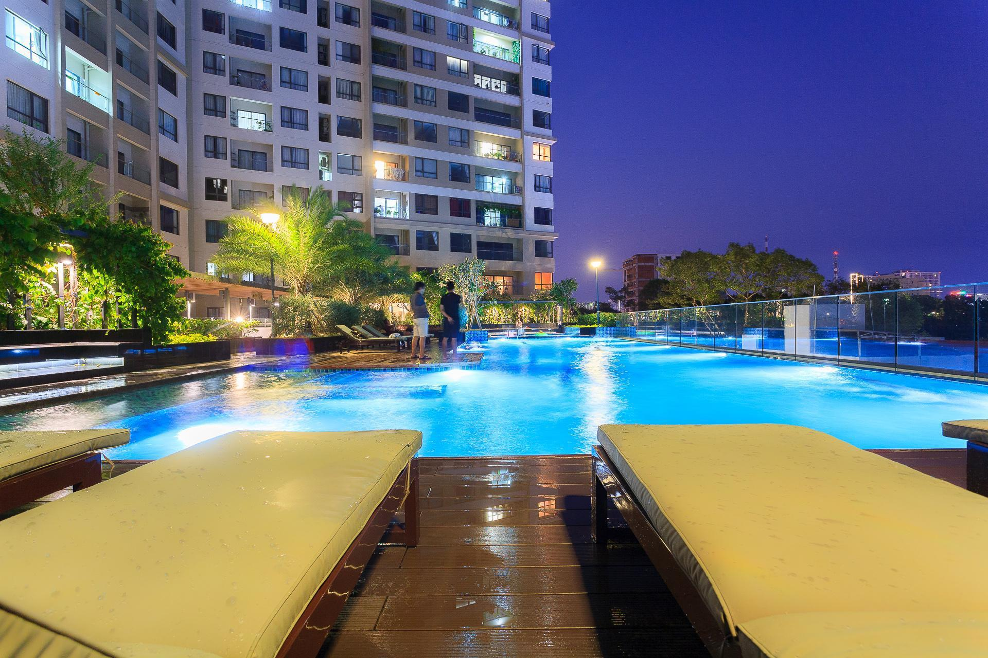 Everrich Infinity 2BR Pool and City view Apartment