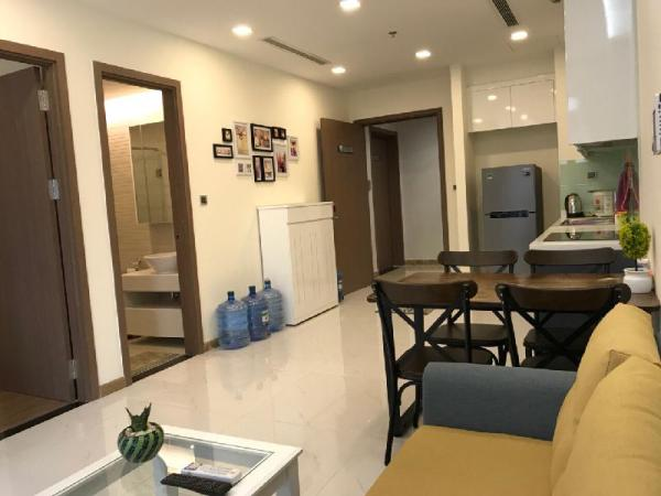 Smiley Vinhomes - Pool one BR Apartment with GYM  Ho Chi Minh City