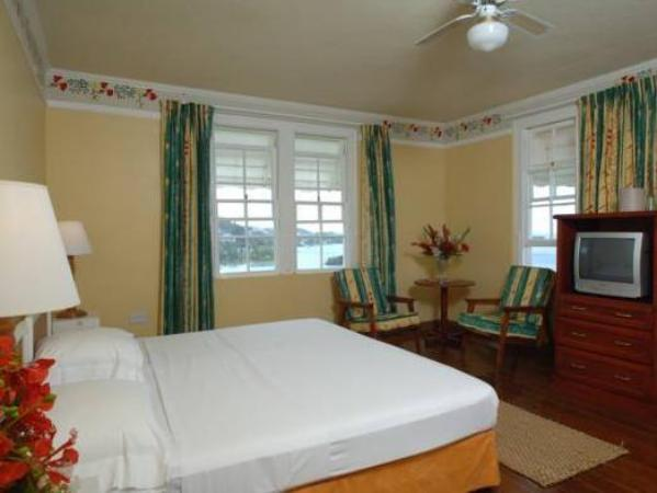 Grand View Beach Hotel Arnos Vale