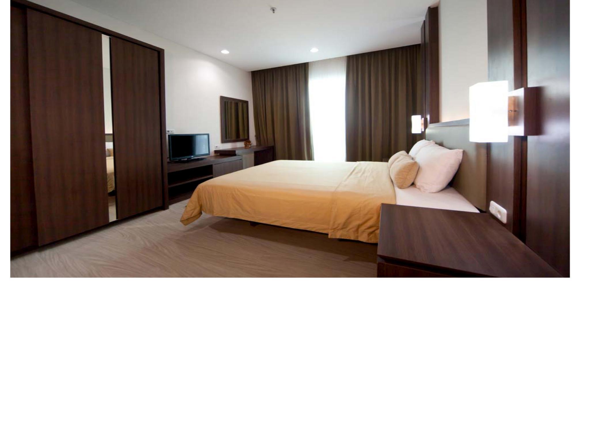 3 BR Pejaten Indah Apartment Room 02