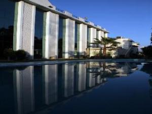 โรงแรมปาราดิซโซรีสอร์ท (Hotel Paradizzo Resort)