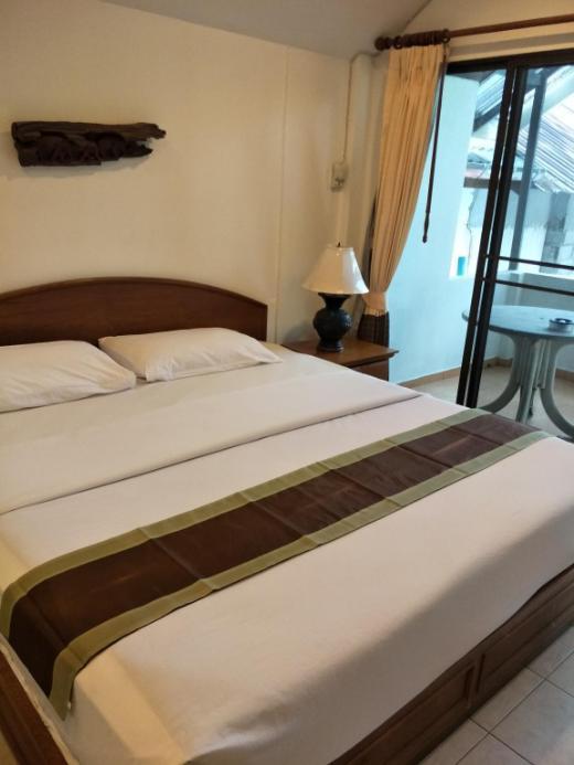 Room by Ayodiawan Naithon