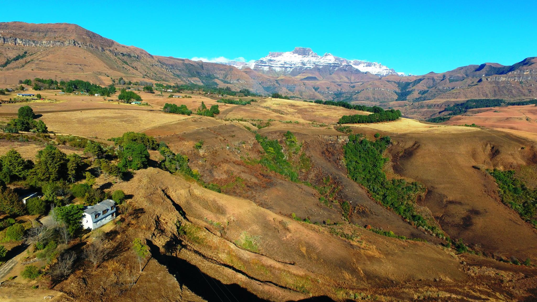 The Little Cliff Mountain Retreat