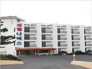 Goodstay Navis Hotel