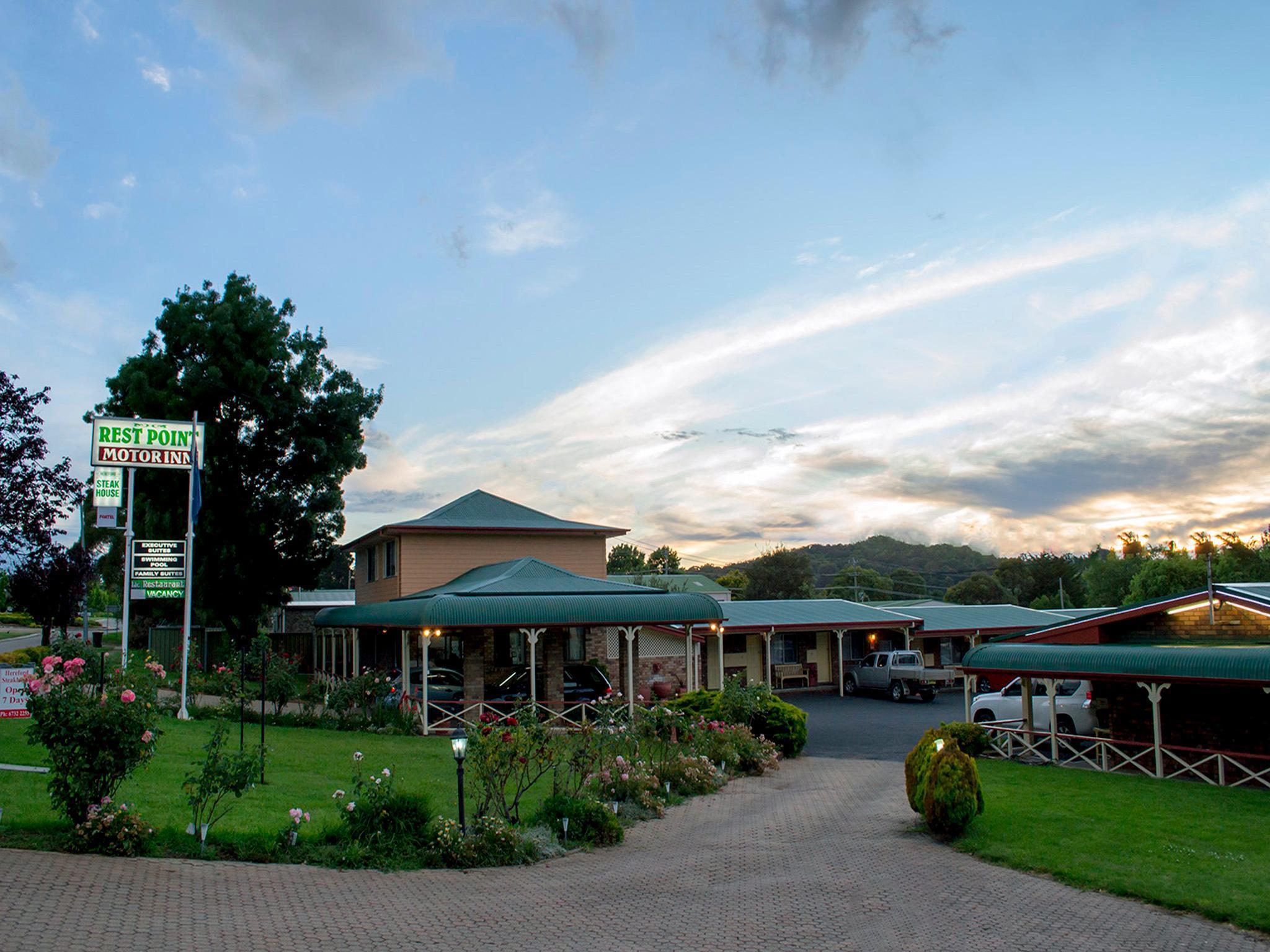 Rest Point Motor Inn Reviews