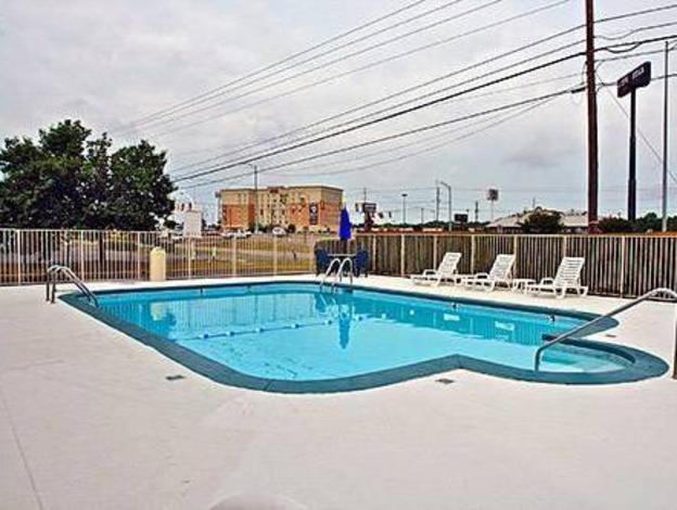 Motel 6 Montgomery - East