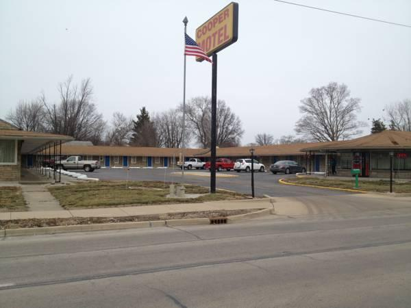 Cooper Motel Tuscola