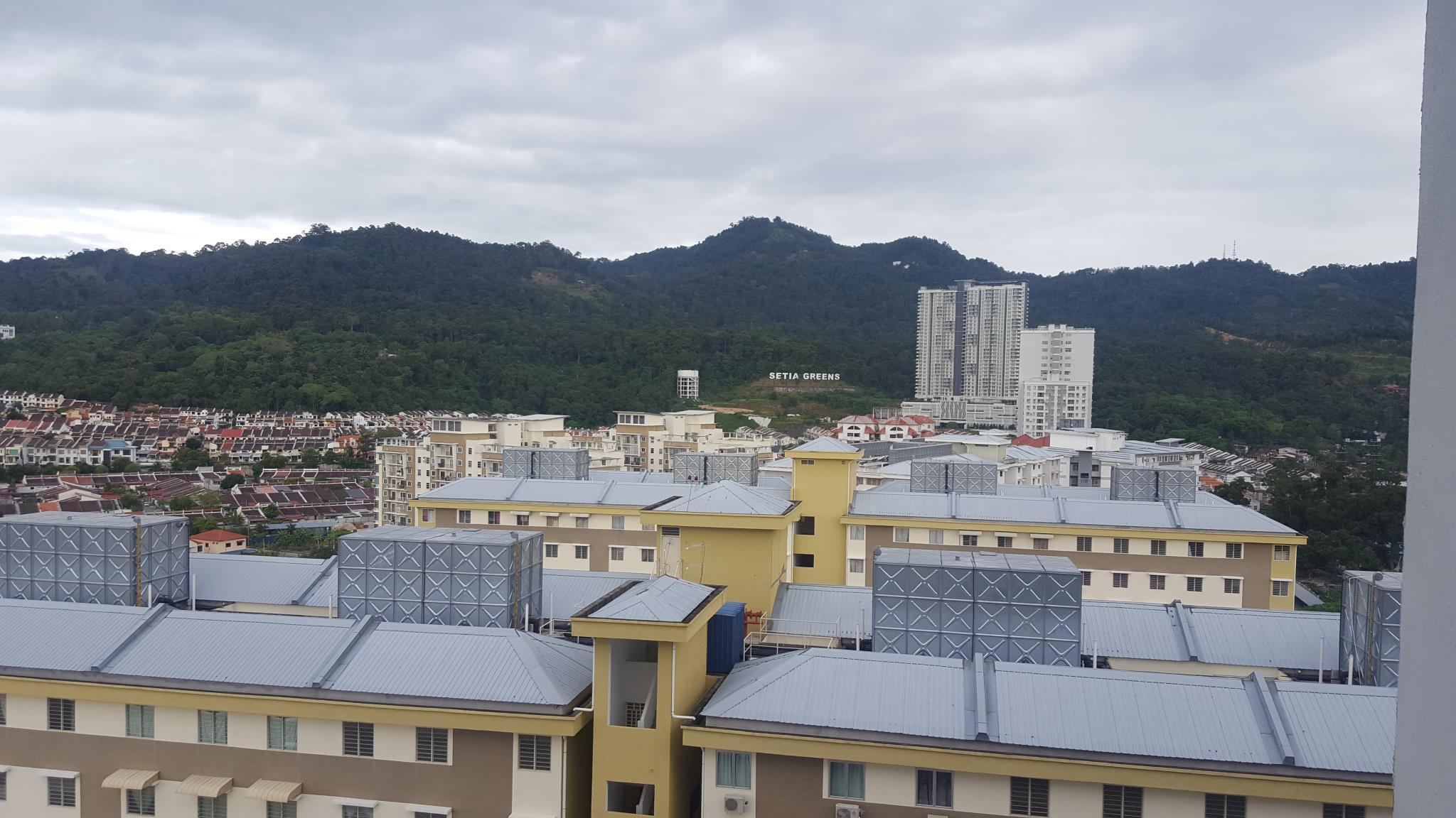 High Floor Mountain View