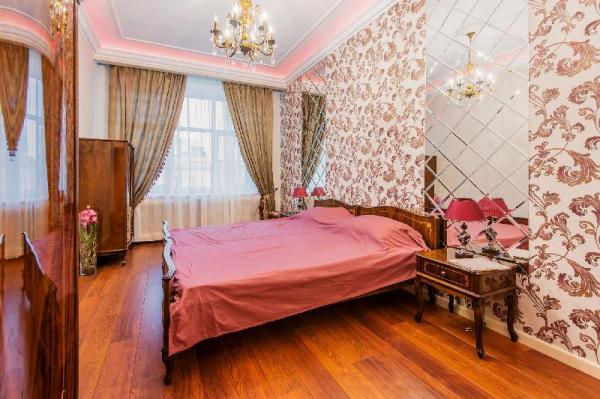 Luxury apartment in 200 meters from the Kremlin Moscow