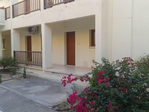 Pelekanos Apartments