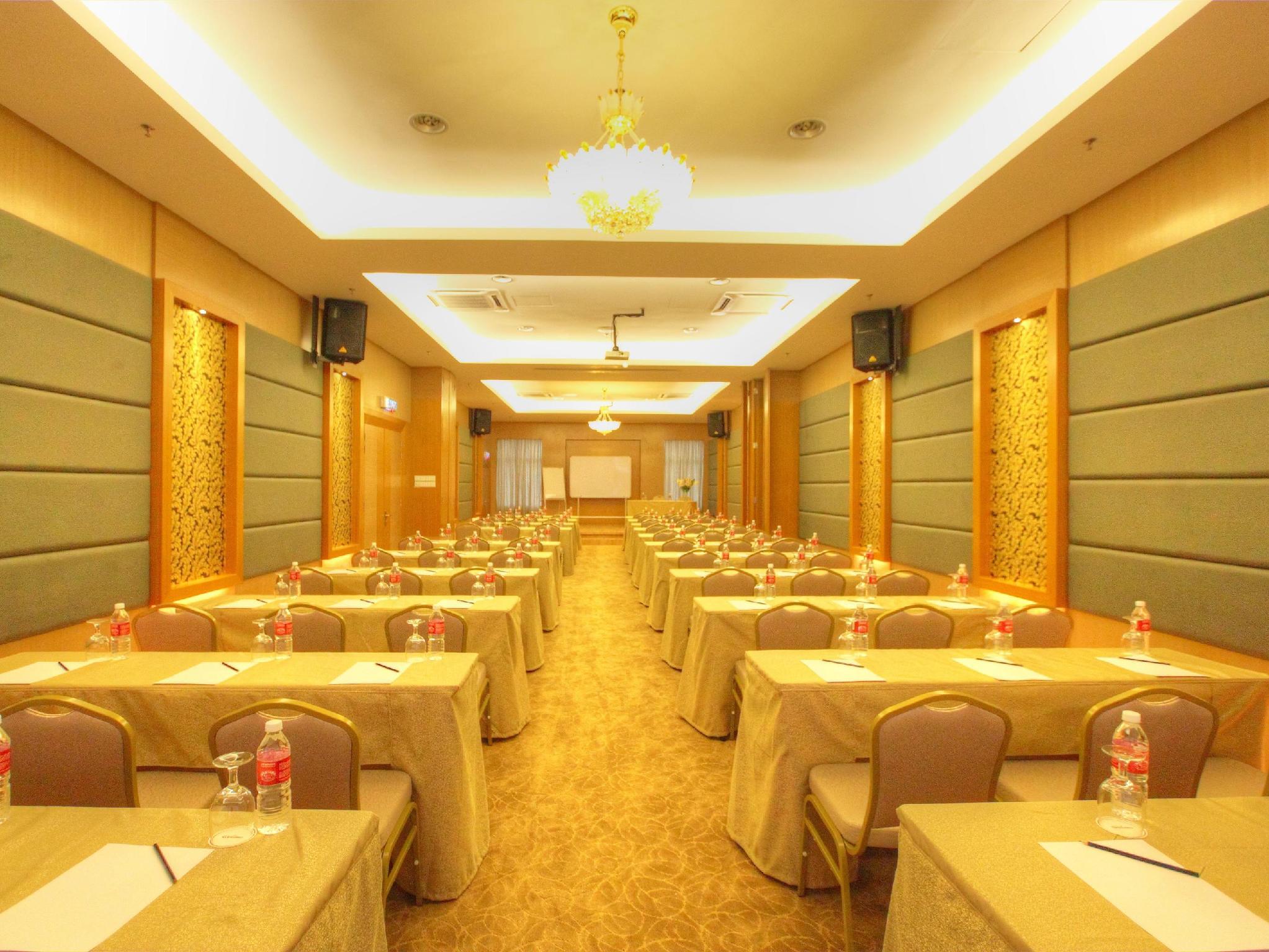 Lokasi The Guest Hotel & Spa PT 4704, Jalan DS 3/1, Bandar Dataran Segar, Lukut,