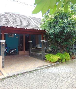 beautiful house with Bali concept Depok Kota