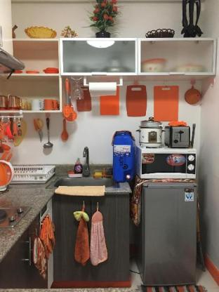 picture 1 of Orange Unit
