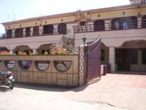 RN Holidays Hotel