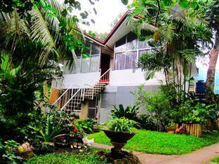 Tropical Shores Apartelle