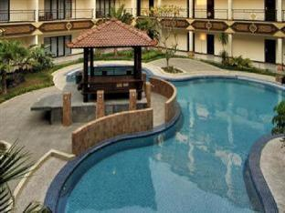 Yusro Hotel Restaurant & Convention