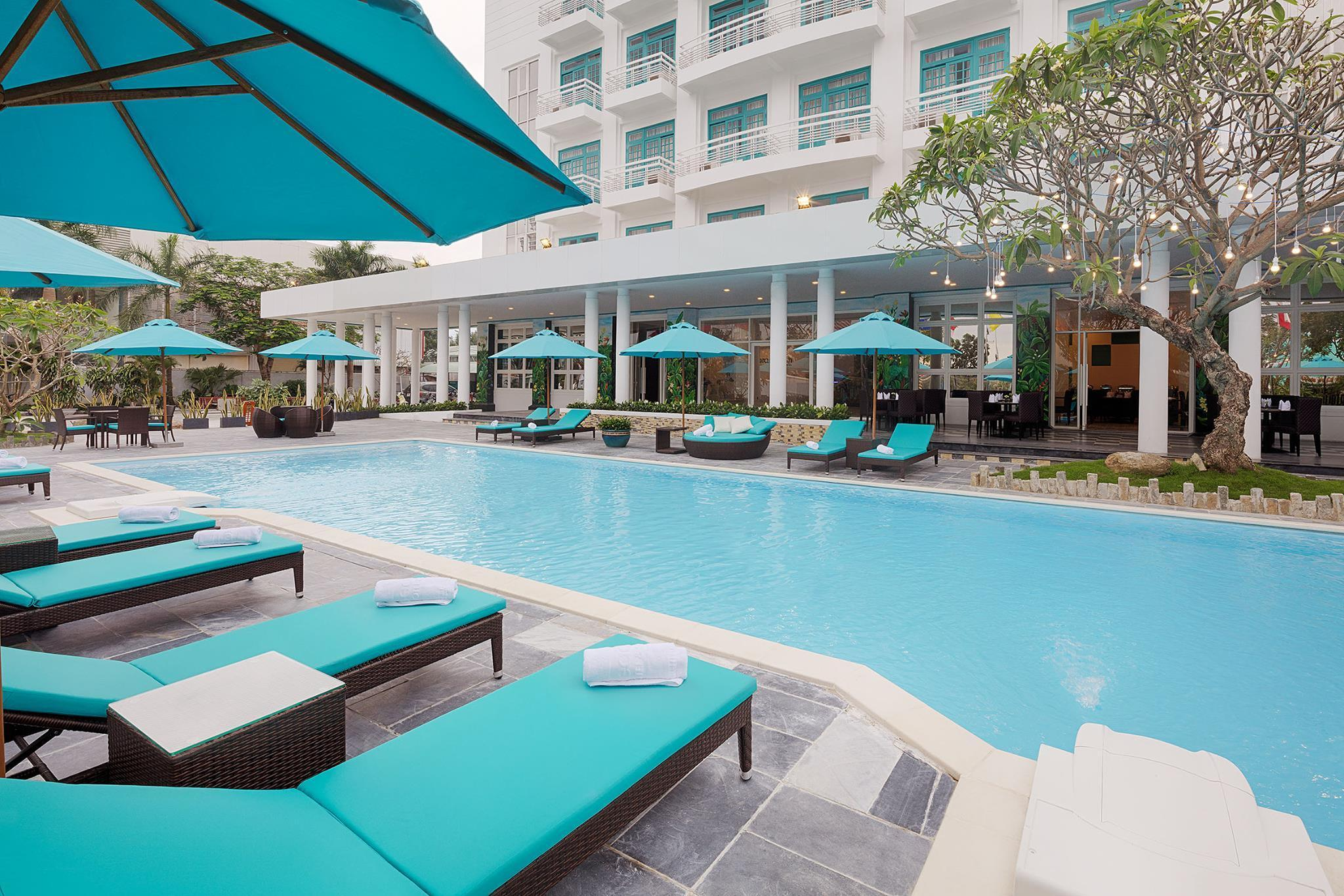 Flora Beach Hotel And Spa