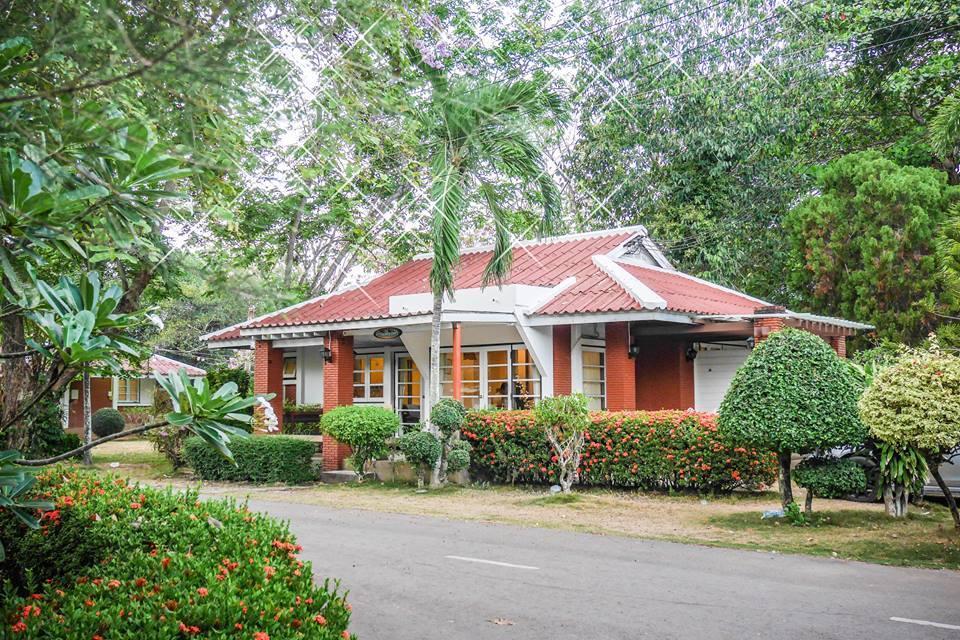 Phe-Samed Villa เพเสม็ด วิลลา