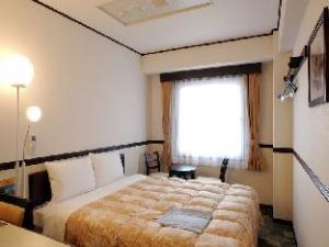 Toyoko Inn Chubu Kokusai-kuko Honkan Orange Side