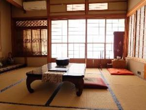 อีซุโกะเงง ฮิโนเดยะ เรียวกัง (Izukogen Hinodeya Ryokan)