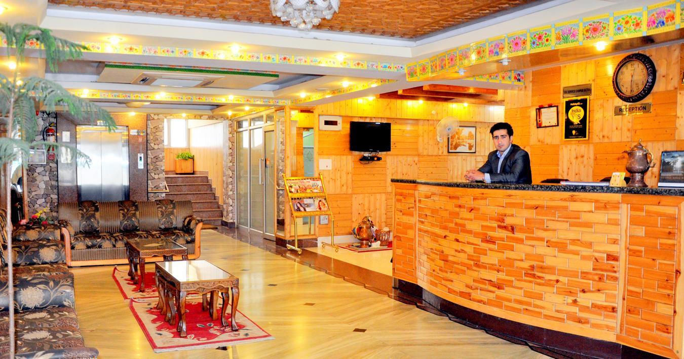 Hotel Regal Palace