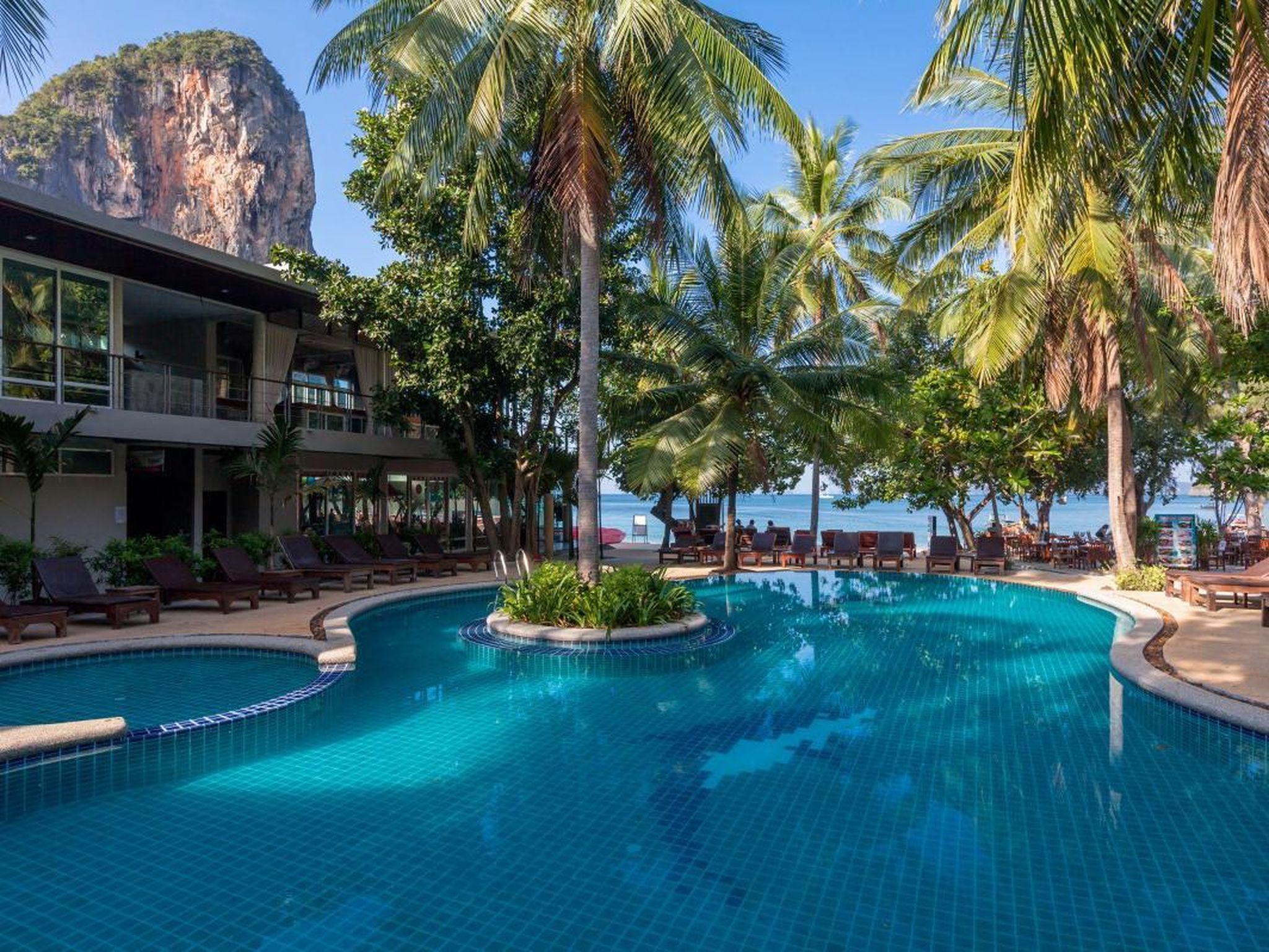 Sand Sea Resort แซนด์ ซี รีสอร์ต