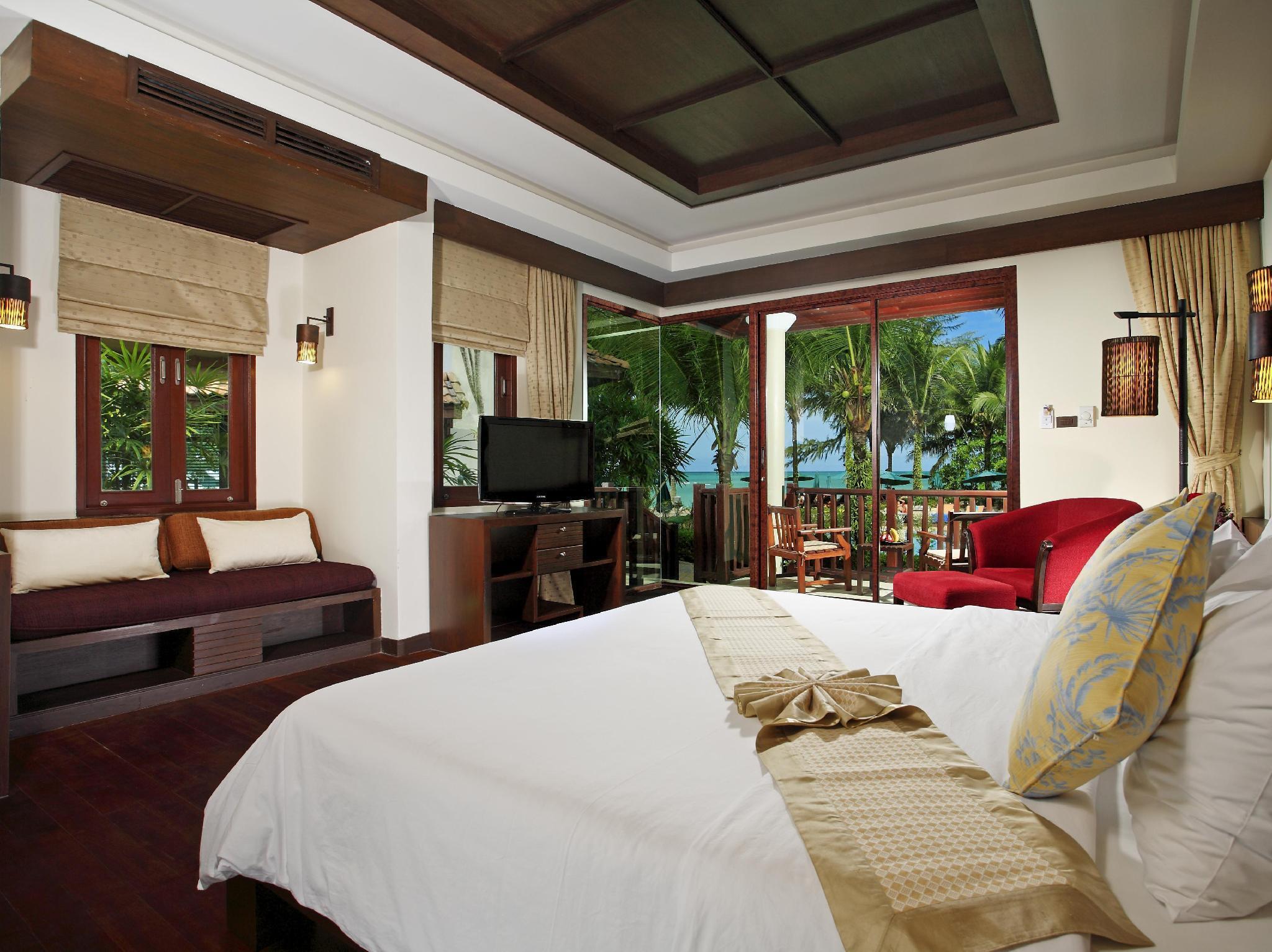 Khaolak Bay Front Hotel เขาหลัก เบย์ ฟรอนท์ รีสอร์ท