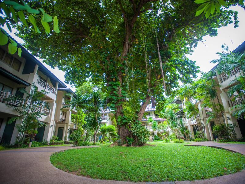 Natural Park Resort เนเชอรัล ปาร์ค รีสอร์ท