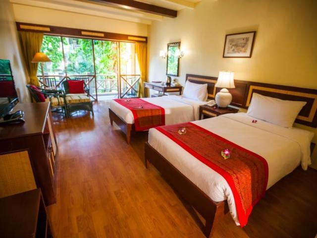 เนเชอรัล ปาร์ค รีสอร์ท – Natural Park Resort