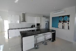 Hua Hin 5 bedroom Mansion close to the beach B3