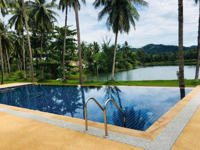 Golden Coconut Resort