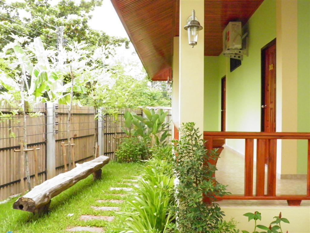 Ruen Narisra Resort