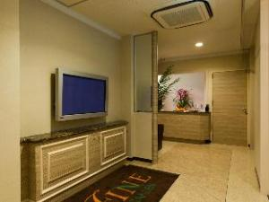 Hotel Fine Garden Matsuzaka II
