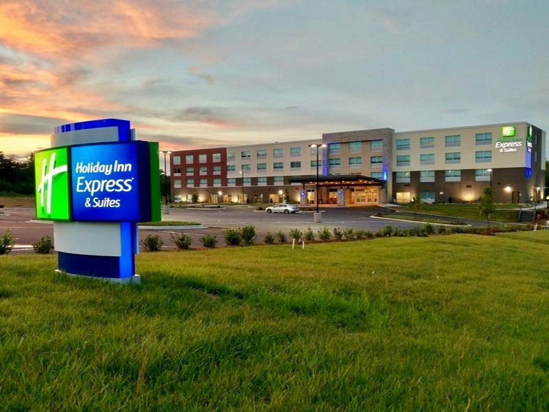 Holiday Inn Express And Suites Raleigh Airport   Brier Creek
