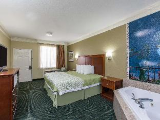 Фото отеля Days Inn & Suites by Wyndham Big Spring