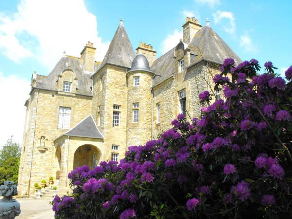 Chateau De Montbrault