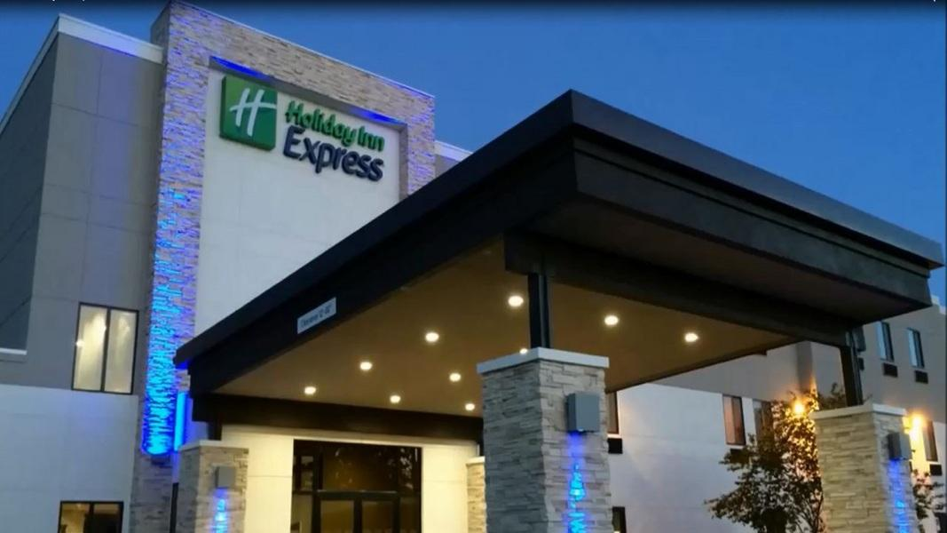 Holiday Inn Express And Suites Perryville I 55