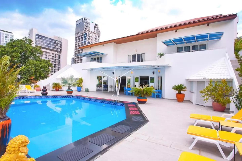 Ultimate 8BR Party Villa w/ Pool Near Walking St Ultimate 8BR Party Villa w/ Pool Near Walking St