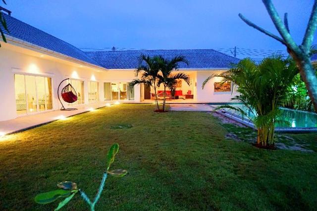4 ห้องนอน 5 ห้องน้ำส่วนตัว ขนาด 200 ตร.ม. – เขาหินเหล็กไฟ – Private 4 bedroom pool villa Hua Hin L28