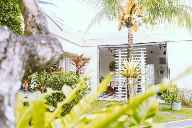 1 bedroom villa in shared complex near La Favela