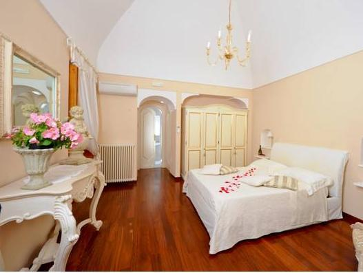 Villa Mary Suites