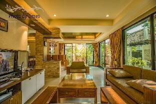 The luxurious Thai villa in downtown Pattaya