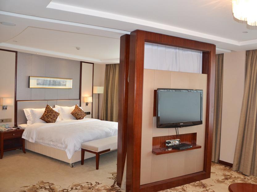 Lushan Hotel 4