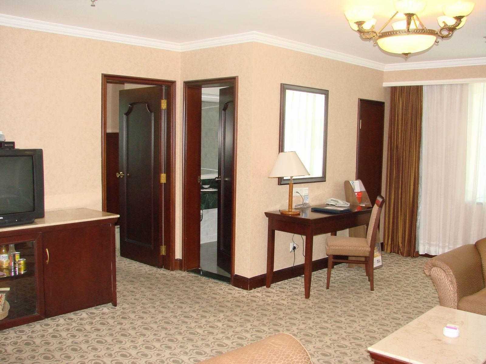 Lushan Hotel 5