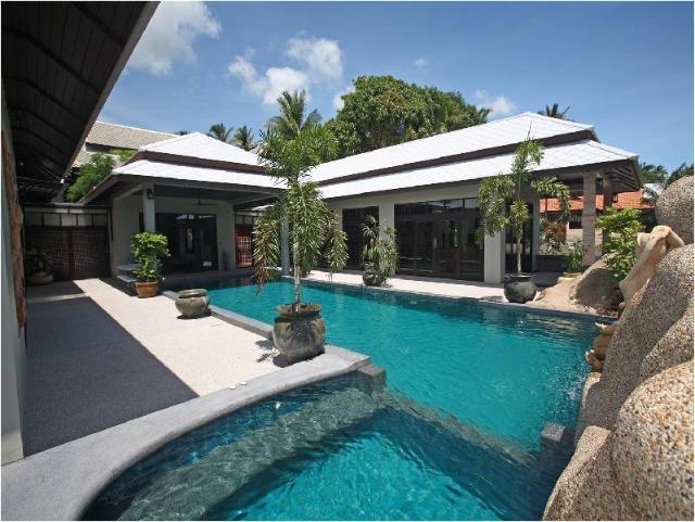 ทรานควิล วิลลา (4 ห้องนอน) พร้อมวิวมหาสมุทร – Tranquil Villa ( 4 bedroom ) with Ocean View