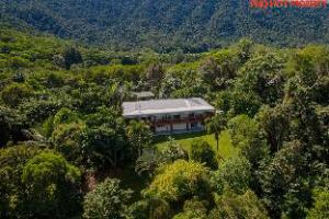 Om Daintree Manor B&B (Daintree Manor B&B)